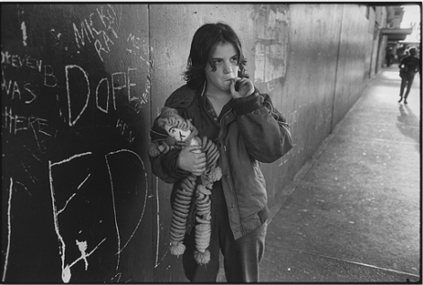 Lillie with Her Rag Doll, Seattle, 1983 © Mary Ellen Mark